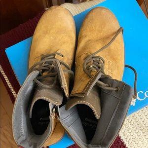 Men's Boots size 9.5 Clark's Brand